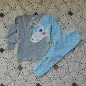 5/$10 Carter's 2 Piece Unicorn Pajama Set 12mo